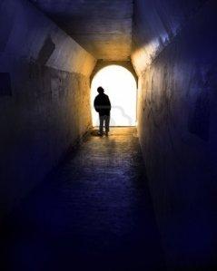 filepicker_DxYzQK2CQumbX1G4Ntcg_weißes licht tunnel